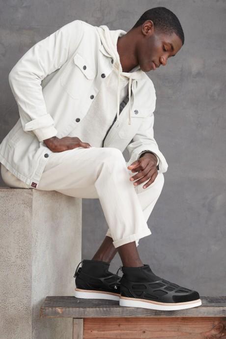 Stitch Fix Elevate grantees men's geometric black suede shoes.